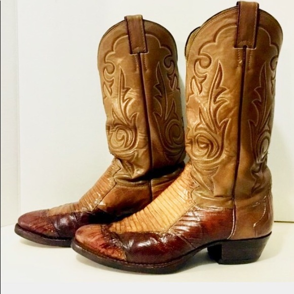3e1e63b670a Exotic Snakeskin Tan Leather Justin Cowboy Boots